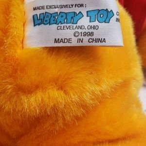 Vintage Toys - Vintage 1998 Deadstock Winnie The Pooh Stuffy